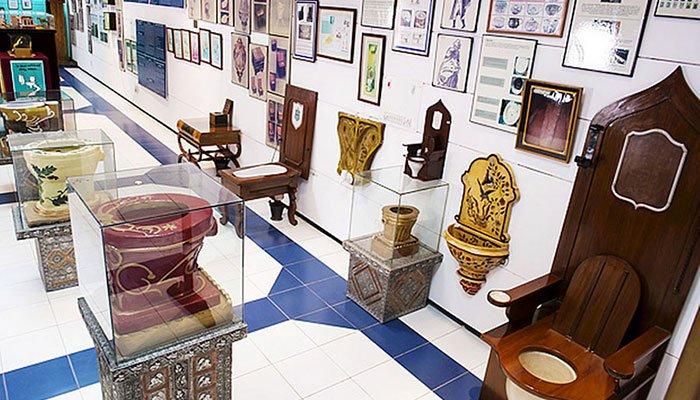 StrangeMuseumsToiletMuseum